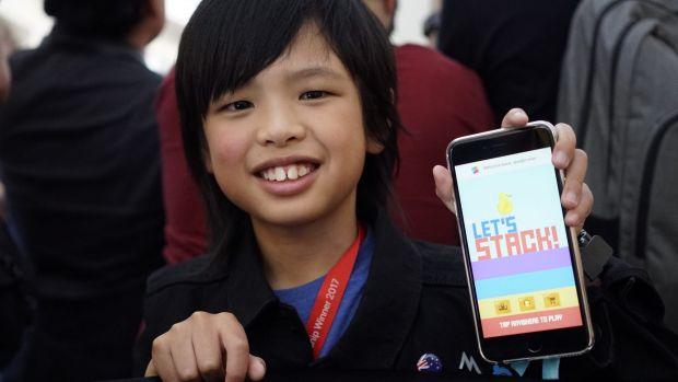 在玩泥巴的年纪,这个10岁程序员赶赴WWDC2017并见到了库克