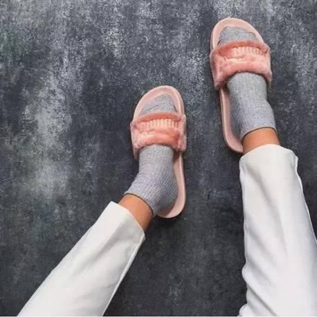 澡堂子拖鞋突然变的这么时髦,-老妈style的拖鞋,竟然有大把女星争着图片