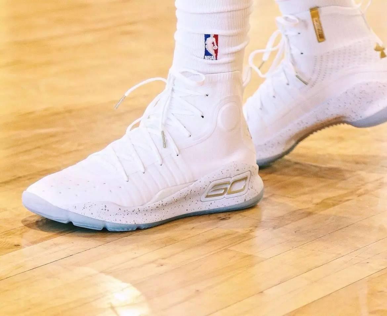 库里新一代战靴UA Curry 4细节!