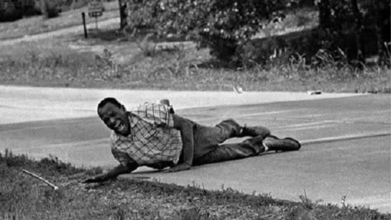 帮助黑人克服心理恐惧他远走种族歧视最严重地区