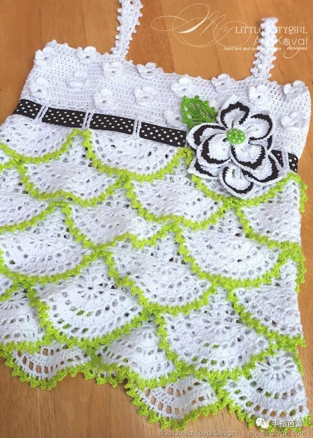 手工编织的儿童吊带裙衫