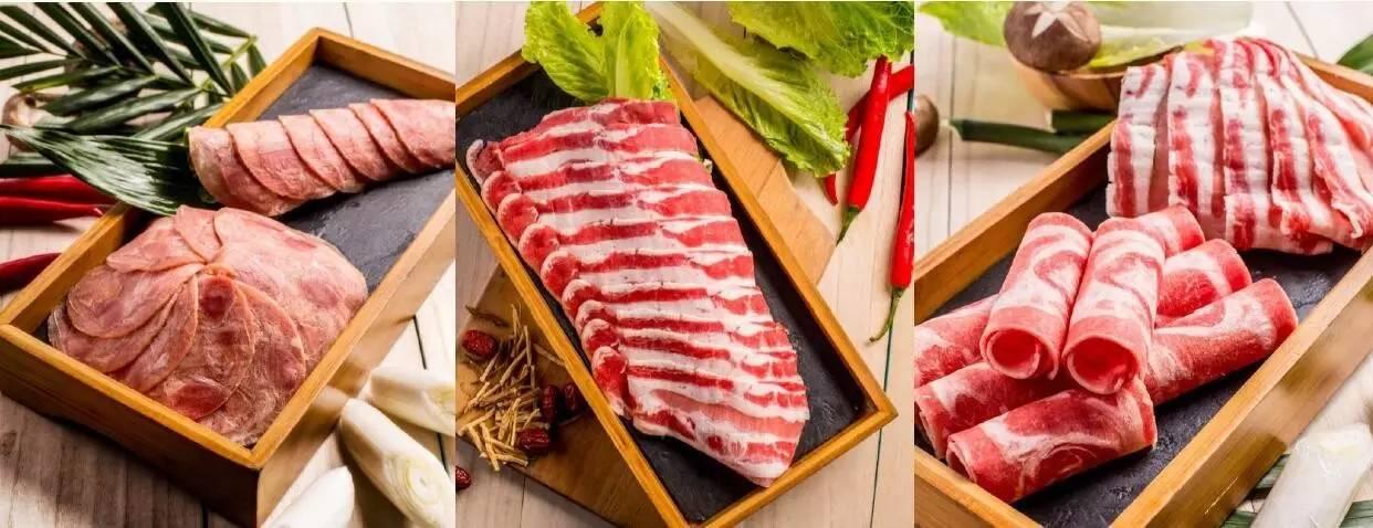 以骨瓷与木系餐具来呈现全新摆盘 用做 西餐的方式来呈现火锅 让火锅