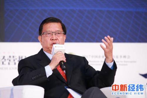龙永图:中国接过美国扛起全球化的旗帜还还为时尚早