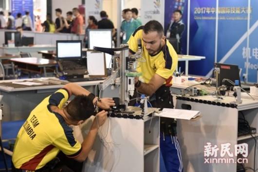 2017年中国国际技能大赛开赛比赛紧张观众开心(组图)