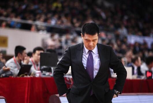 闵鹿蕾明升暗降北京队开启重建 混血中锋上调一队势在必行?
