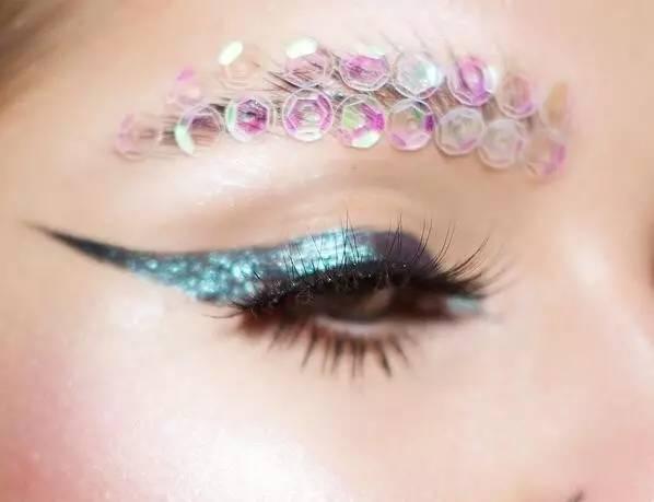 【创意眼妆】开在眼睛上的艺术之花,挑逗你的视觉神经!