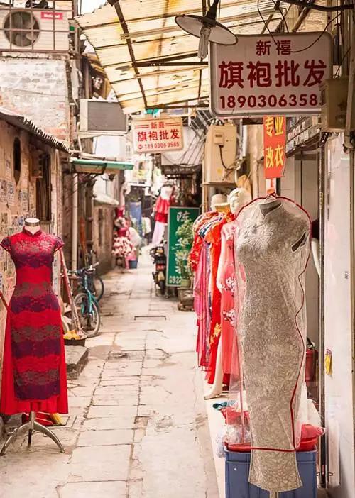 广州婚纱一条街_广州西装一条街图片