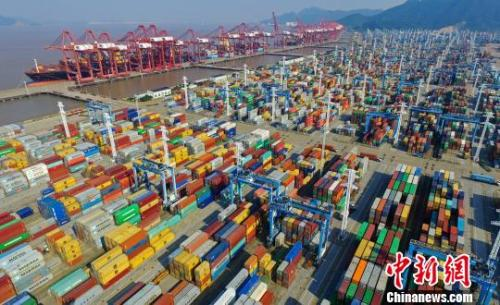 5月中国出口增15.5%进口增22.1%贸易顺差收窄