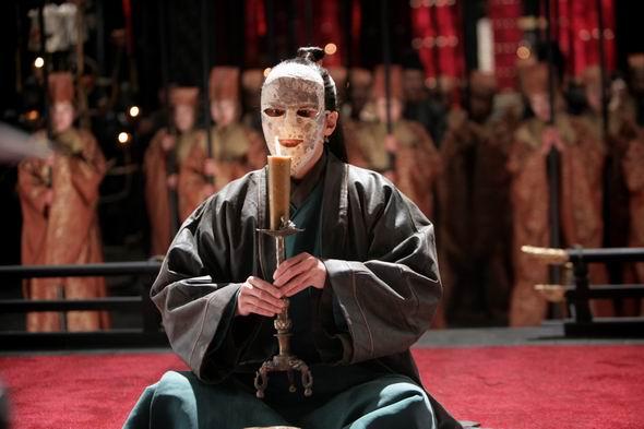 面具造型能与吴彦祖古天乐赵文瑄比肩的竟然是他