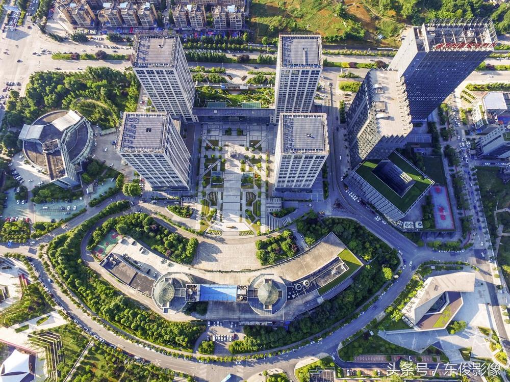 旅游 正文  贵阳国家高新技术产业开发区是1992年经国务院批准建立
