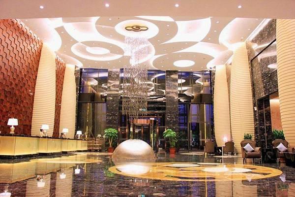 酒店父亲节策划方案_葡萄园品尝葡萄,入住惠东华美达酒店品尝自助早晚餐特别的父亲节二天