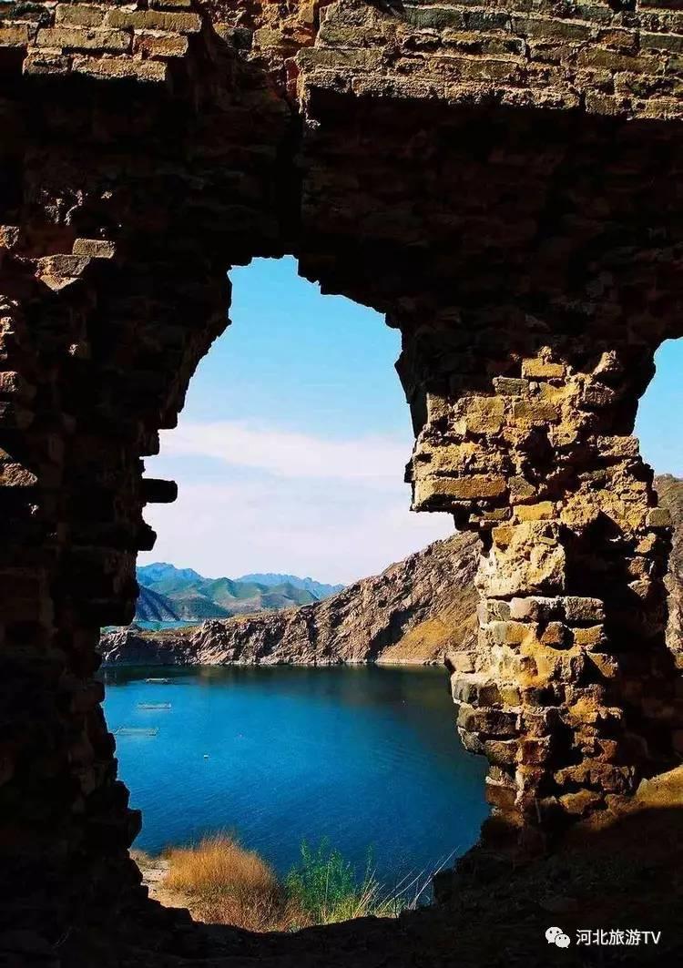 据了解,位于潘家口水库库区的水下长城属于中国明代长城的喜峰口图片