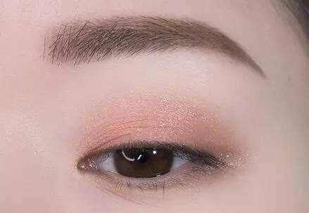 最显眼的颜色_最显眼的是什么颜色