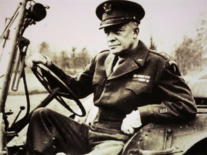 二战史:百万盟军前进,艾森豪威尔放弃占领柏林