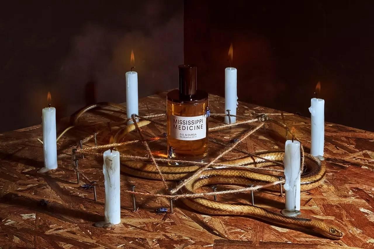 s. & durga 创意香水广告大片图片