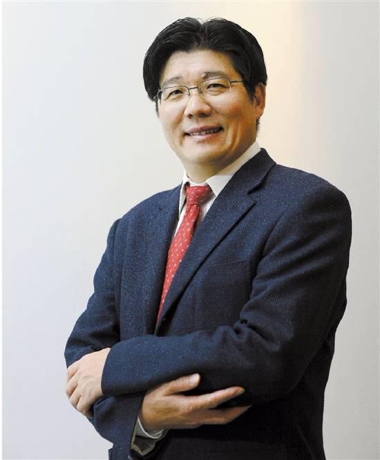 巨化董事长_董事长办公室图片