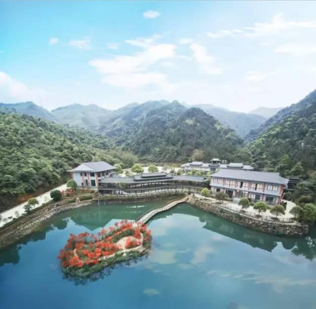 实现创新突破、好山好水好风景的红溪景区就在桂林临桂新区,距离桂
