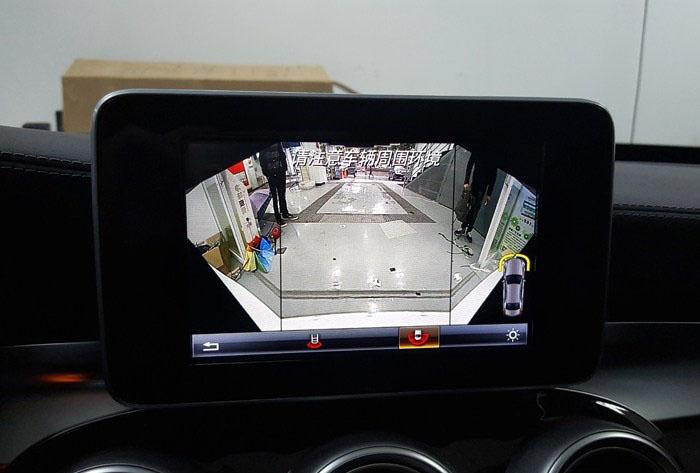 昆明奔驰C级加装电尾门,折叠后视镜,倒车影像。
