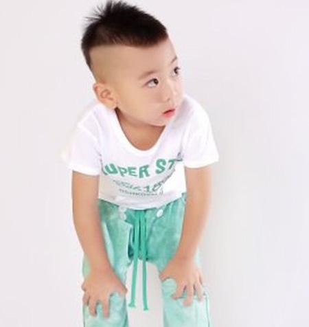 小男孩蘑菇头短发发型图片三岁男宝宝发型设计图片