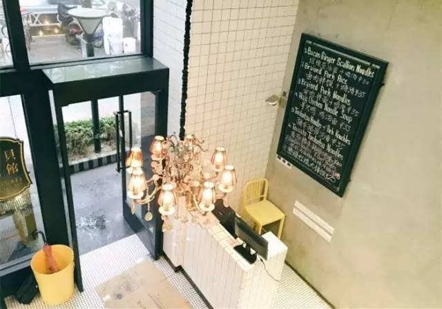 一楼又开放式的厨房,可以看到师傅现场制作.图片