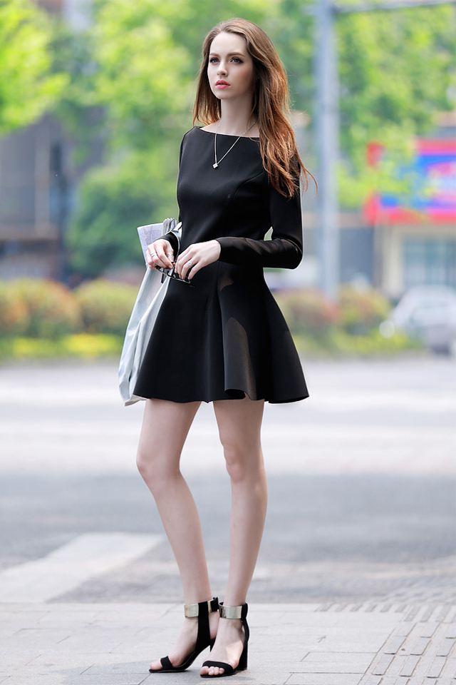 夏季女装,一字领上衣裙装,优雅与性感的组合