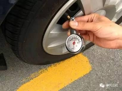 摩托车后轮气压不足的后果 摩托车轮胎气压不足表现图片