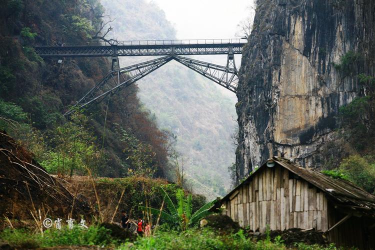 云南米轨铁路上的人字桥,到今天一颗螺钉都没换过