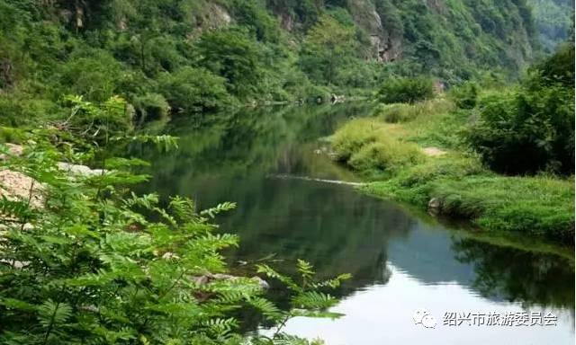 瀑布、盘山公路、满山花海…这些大山里的绝美小村庄,你去过几个?