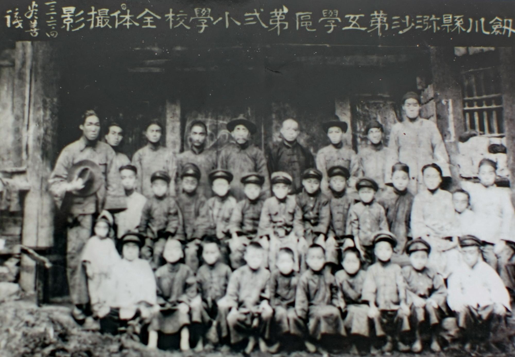 四十年前放弃高考,今天弥井百年滇剧团有了传承人