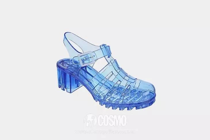 小时候备受嫌弃的塑料拖鞋,竟然真的在时尚圈翻身了! 服饰潮流 图9