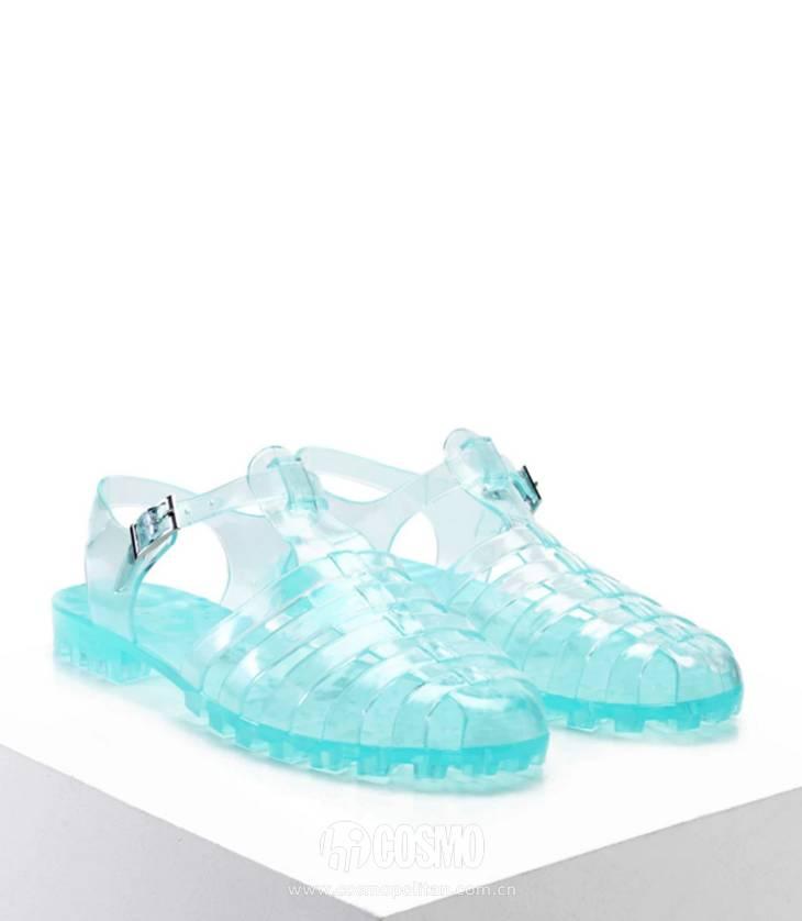 小时候备受嫌弃的塑料拖鞋,竟然真的在时尚圈翻身了! 服饰潮流 图29