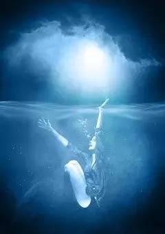 梦到涨大水亲人淹死了