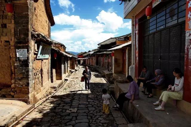 中国最悲壮的公路,曾是与外界联系的唯一运输通道