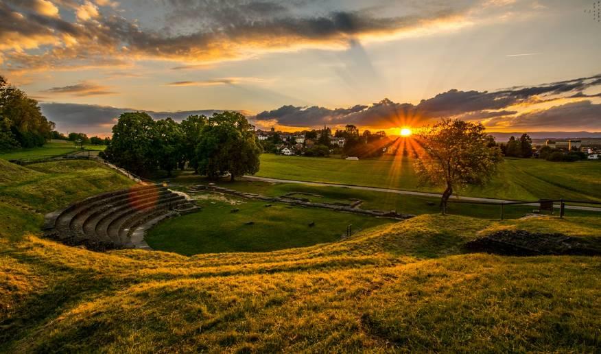 2017最宜居的国家,赫本住了30年,因太美禁止拍照