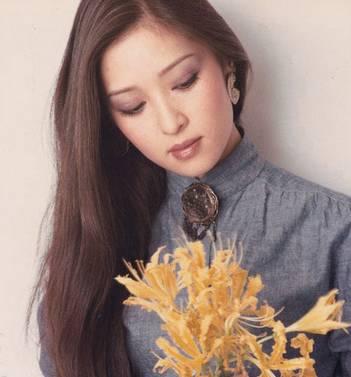 她是最传奇的第一美女,林青霞曾给她做配角,因便秘憋红脸被前夫抛弃