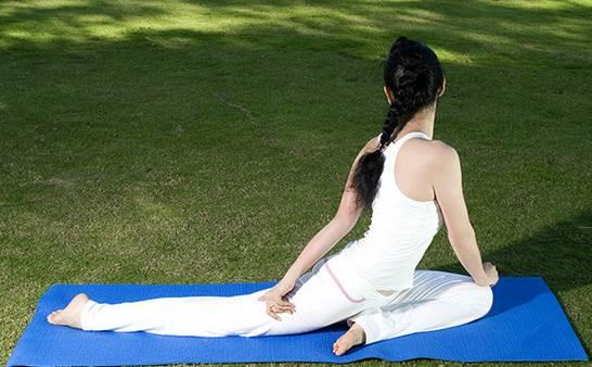 瑜伽 按摩保养卵巢,让你的美丽停不下来!图片