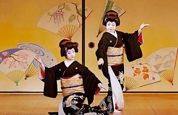 日本艺伎为什么把脸涂得煞白?原因也太实在了!