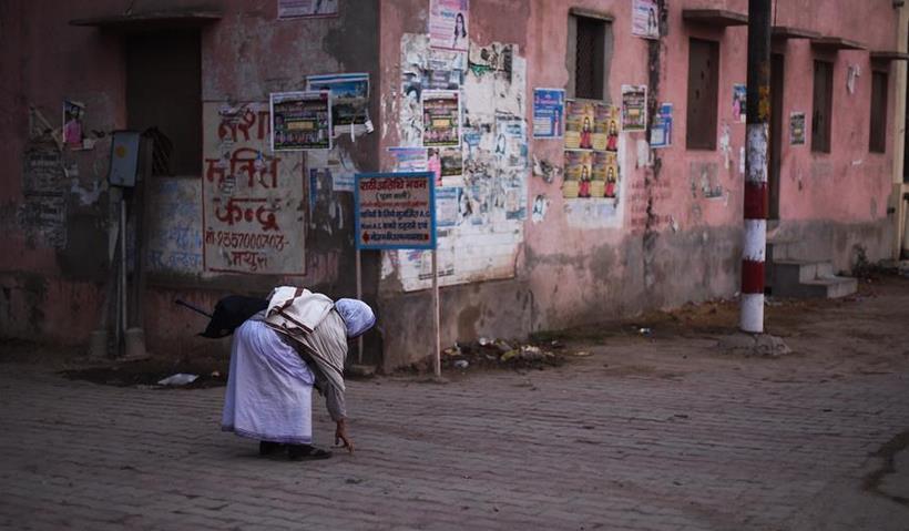 印度有一座城,寡妇的地位甚至不能被当做一个人看