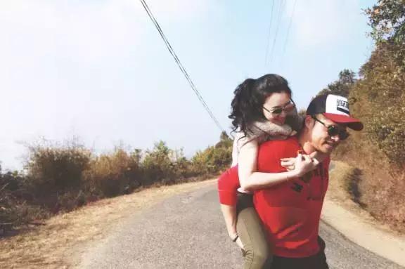 朋友圈有的晒啦!几招教你旅行中拍出高逼格情侣照