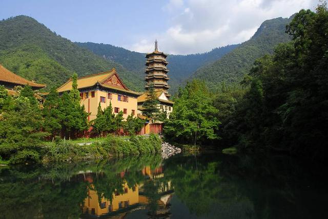 浙西皖南藏着两条堪比川藏的大美山路,蜿蜒曲折、乐趣无限!