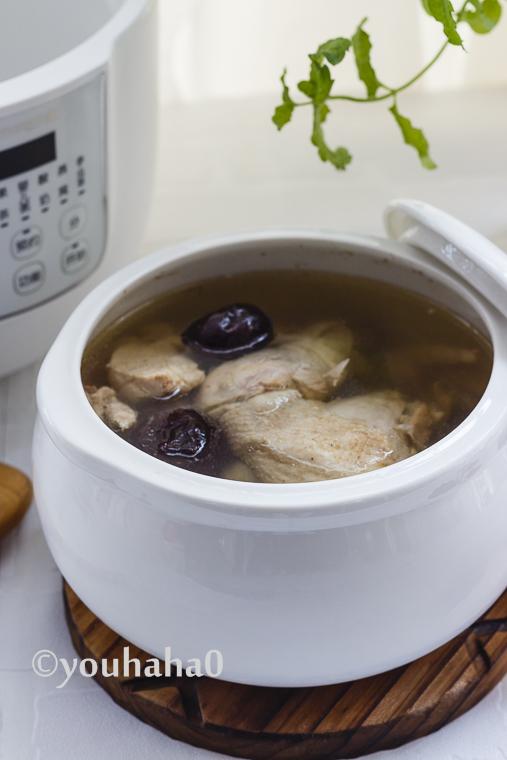 夏季喝西洋参红枣鸡汤降温消暑