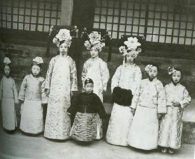 清朝最后3位皇帝为何都没有孩子,溥仪才是受害者