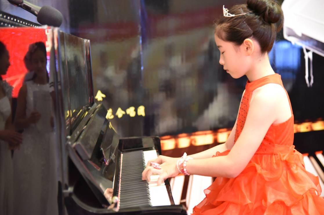 现场除美好的钢琴吹奏-感谢您,我的超级英雄