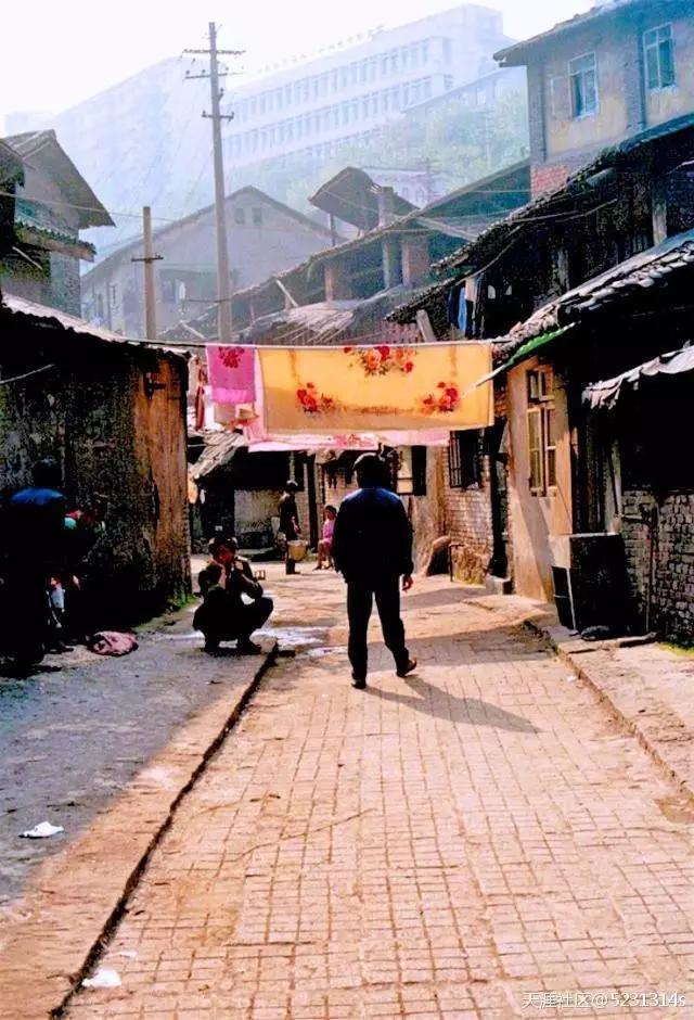 90年代的山城重庆老照片 每一张都是回忆图片