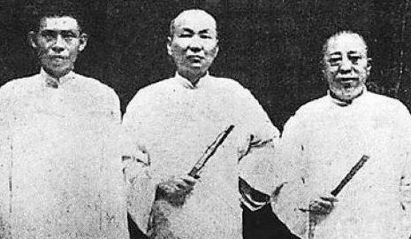 杜月笙在上海滩取得十年老大称号,因赔笑严老九做了老大