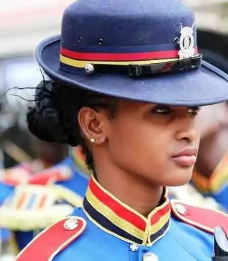 19个国家的美女警察,请逮捕我吧