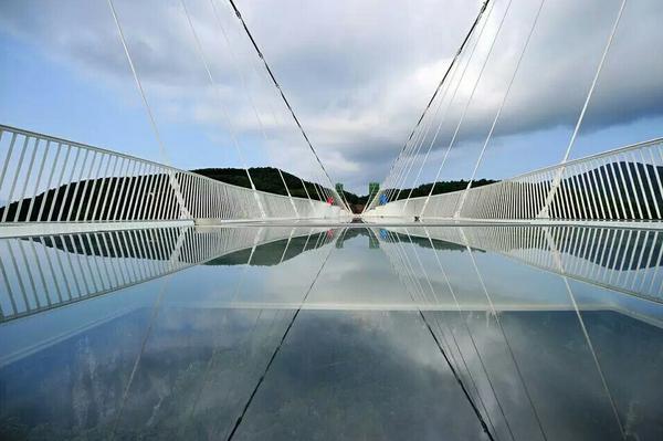 张家界天门山PK玻璃桥、决定好了去哪里吗?