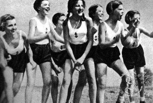 揭秘二战时期的德国女军官,不知不觉沦为纳粹附属品