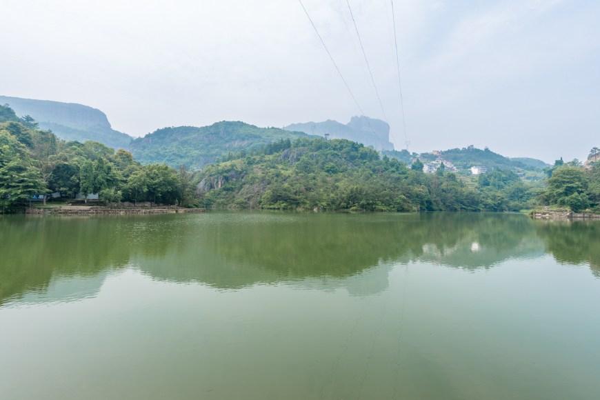 你确定去对了雁荡山吗?还有个中雁荡山,水景更美