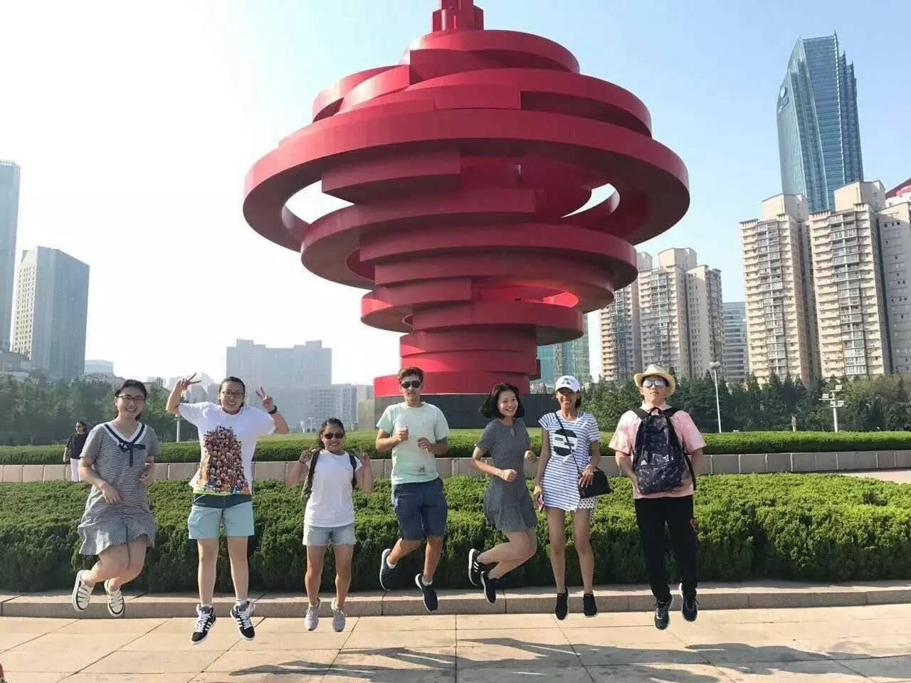旅校快讯 青岛旅游学校16级 3 4 旅游管理本科班接待美国交流生活动
